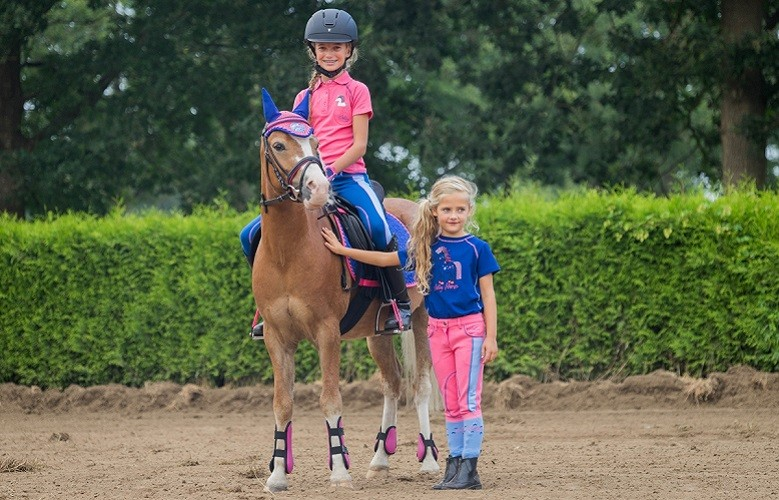 Horka es una marca de HORKA INTERNATIONAL RIDING WEAR